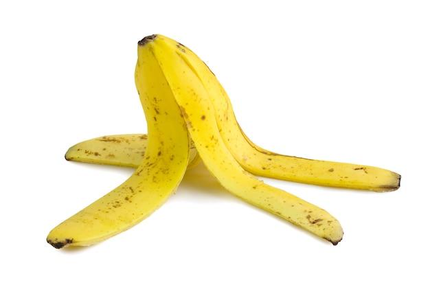 Bananowa łupa na białym tle