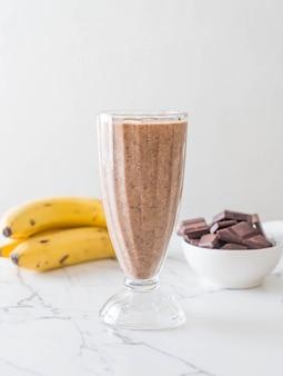 Bananowy koktajl czekoladowy