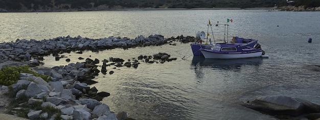 Baner na plaży sardynii, obraz banera z miejscem na kopię