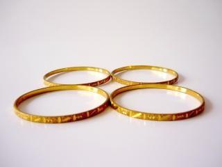 Bangles złota, koła, wiele