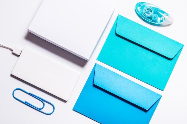 Bank pamięci i narzędzia biurowe