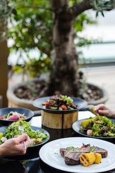 Bankiet restauracja posiłki przyjęcie zdrowe odżywianie
