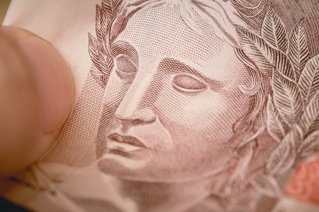 Banknot z brazylii, czyli brazylijski real w fotografii makro