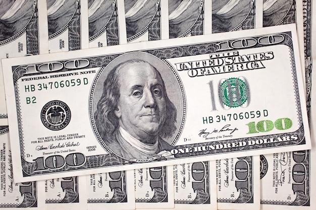 Banknoty 100 dolarów