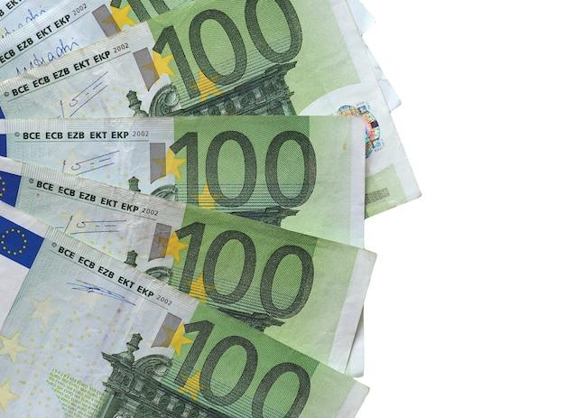 Banknoty euro, unia europejska na białym tle nad białym