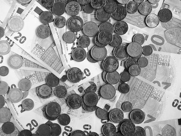 Banknoty i monety euro, unia europejska w czerni i bieli