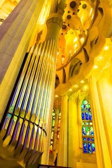 Barcelona, hiszpania, 20 września 2019 r. sagrada familia, to ogromna rzymskokatolicka bazylika w barcelonie, hiszpania, zaprojektowana przez antoniego gaudiego i wpisana na listę światowego dziedzictwa unesco.