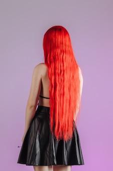 Bardzo długie rude włosy widok z tyłu