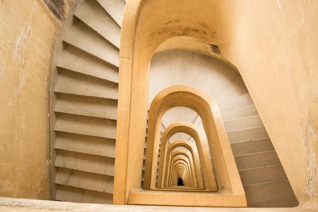 Bardzo długie schody