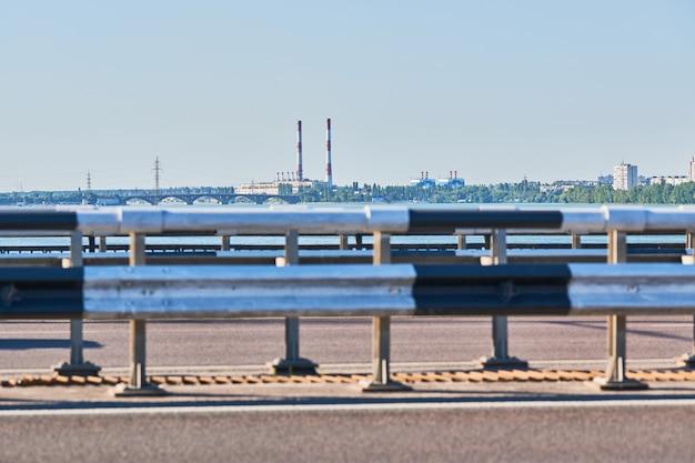 Bariera drogowa na autostradzie mostowej