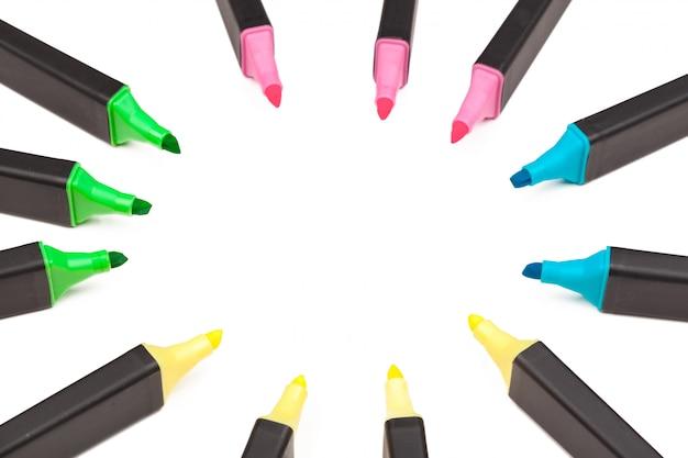 Barwioni markiery odizolowywający na bielu