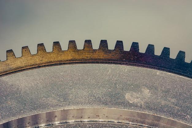 Barwiony przekładnia okrąg na odbijającej powierzchni zakończeniu up.
