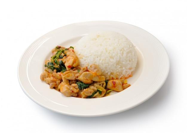 Basil smażony ryż z wieprzowiną, tajskie jedzenie