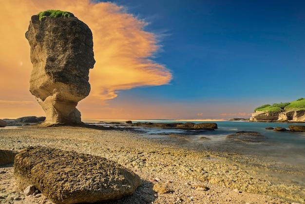 Batu payung, wyspa lombok, indonezja