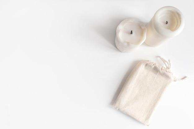 Bawełniana torba talii kart i świece