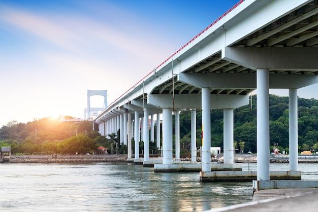Bay bridge w shantou w chinach