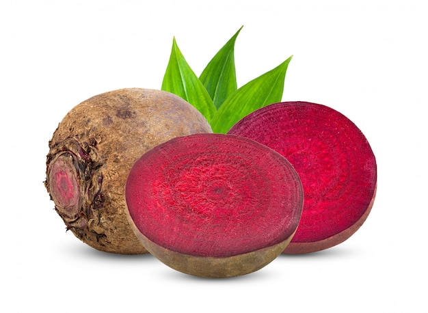 Beetroot warzywa z liściem odizolowywającym na bielu
