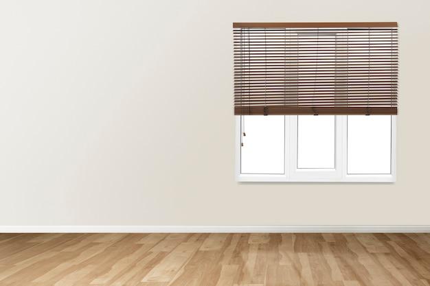 Beżowy pusty pokój z autentycznym wystrojem wnętrz w oknach