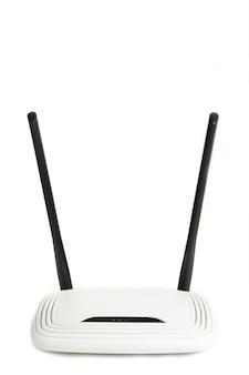 Bezprzewodowy router wi-fi na białym tle na białej powierzchni
