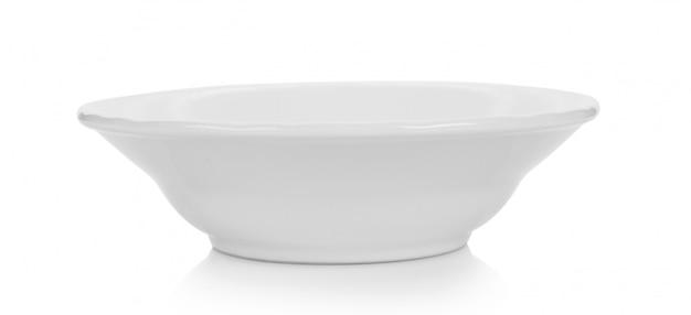 Biała ceramiczna miska na białym tle