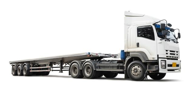 Biała ciężarówka na białym tle