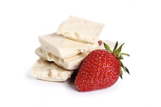 Biała czekolada z truskawkami