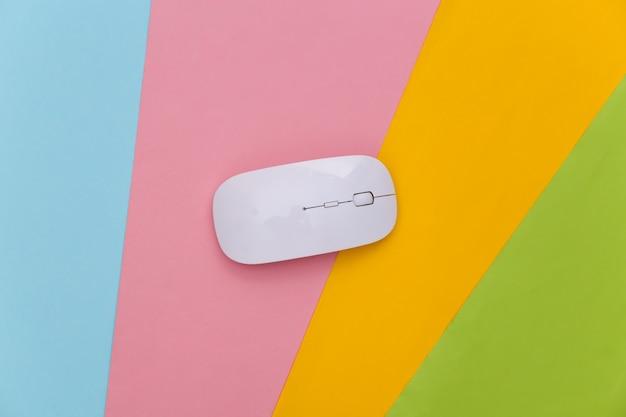 Biała mysz komputerowa