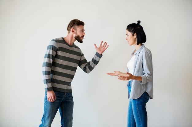 Biała para ma argument