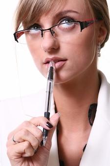 Biała piękna blond biznesowa kobieta
