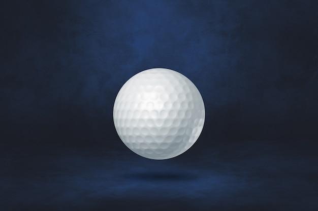 Biała piłeczka golfowa na ciemnoniebieskim tle. ilustracja 3d