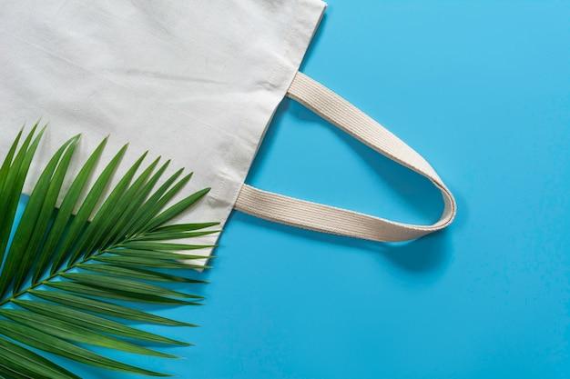 Biała płócienna torba z tkaniny, worek na zakupy z miejsca na kopię