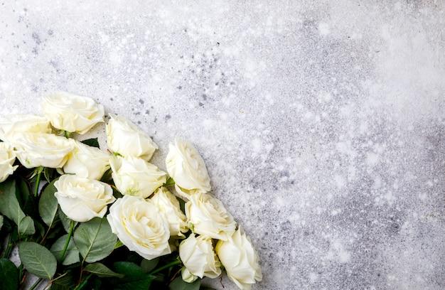 Biała róża bukiet. walentynki święto ,, prezent.