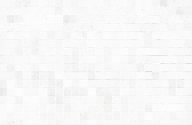 Biała ściana z płytek