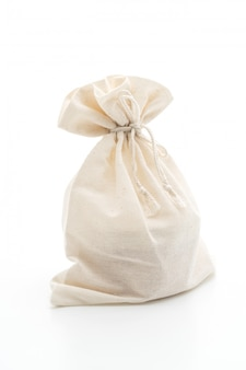 Biała torba z tkaniny na białym tle