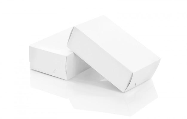 Białe papierowe pudełka na makiety projektu produktów