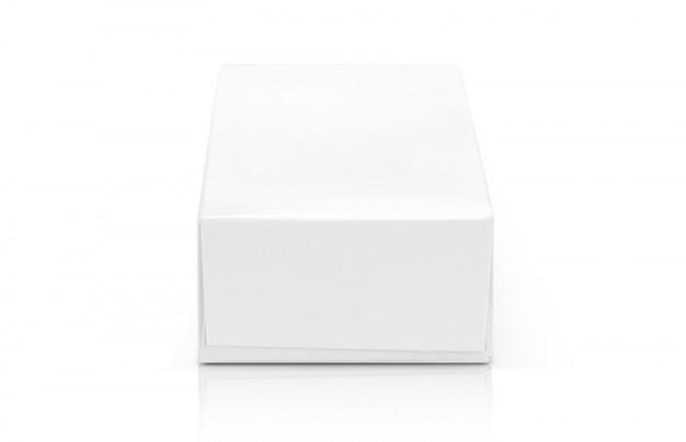 Białe pudełko z papieru do projektowania produktów.