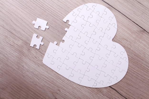 Białe serce układanki