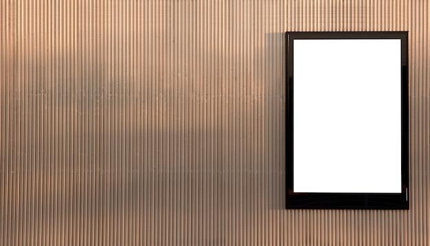 Biały billboard ze złotym metalicznym tłem