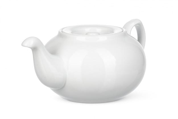 Biały ceramiczny czajnik na białym tle