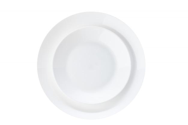 Biały ceramiczny talerz odizolowywający na białym tle