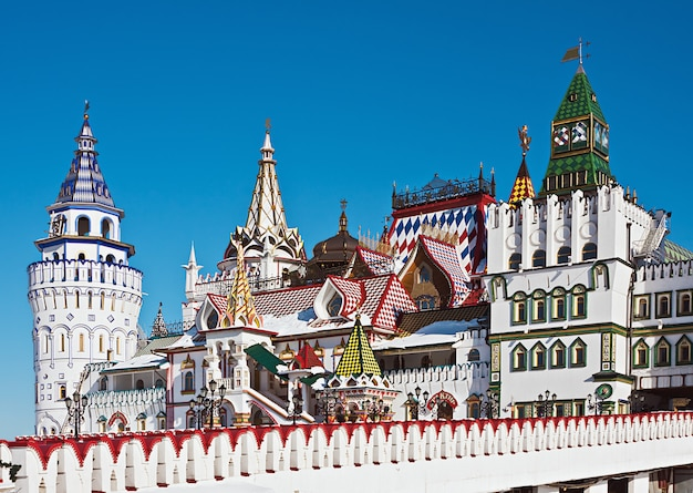 Biały kamień kreml w izmaylovo w moskwie