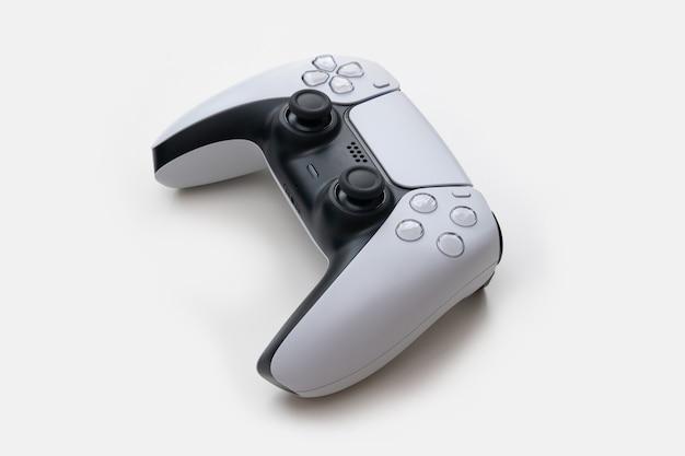 Biały kontroler do gier nowej generacji