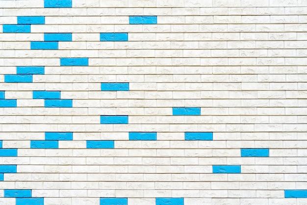 Biały mur z cegły. projekt wnętrza loftu. biała farba elewacji.