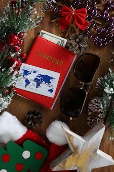 Biały plastikowy kredyt z czerwonym paszportem przeciwko