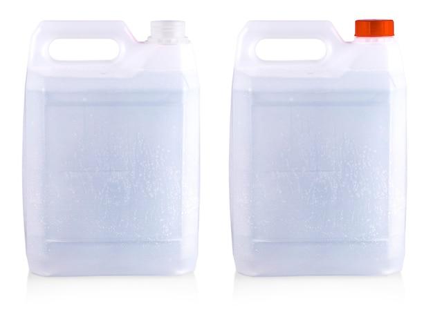 Biały plastikowy pojemnik isoalted na białym tle