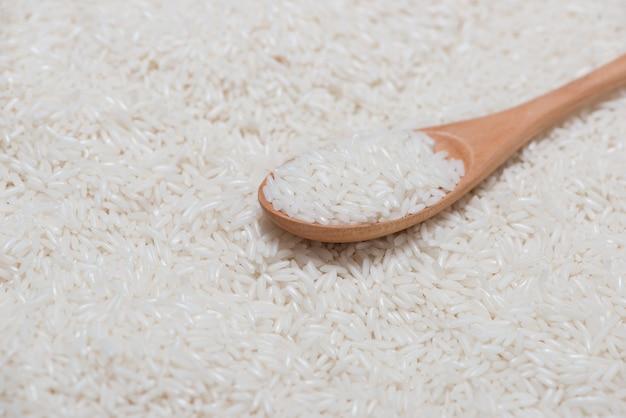 Biały ryż. ryż jaśminowy, ryż tajski, ryż surowy.
