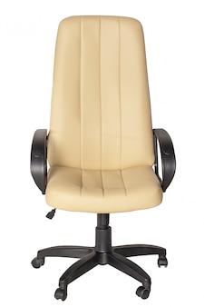 Biały skórzany fotel na białym tle