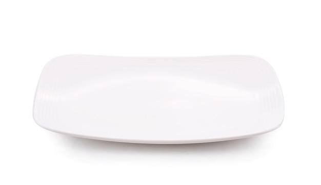 Biały talerz kwadratowy na białym tle bbackground