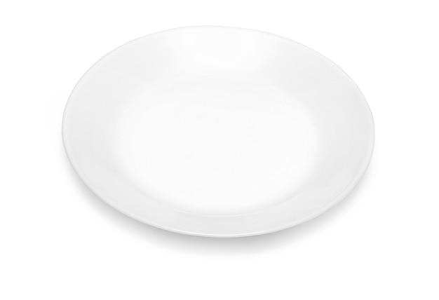 Biały talerz na białym tle ze ścieżką przycinającą