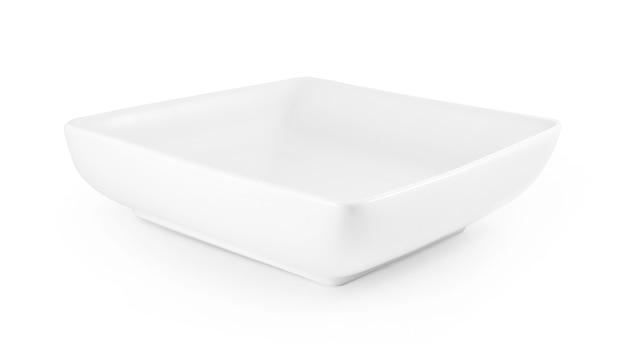 Biały talerz na białym tle.